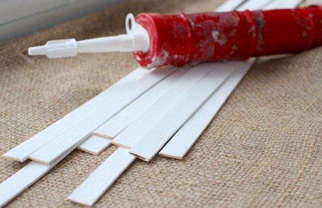 Пластиковые полоски и клей в тубе